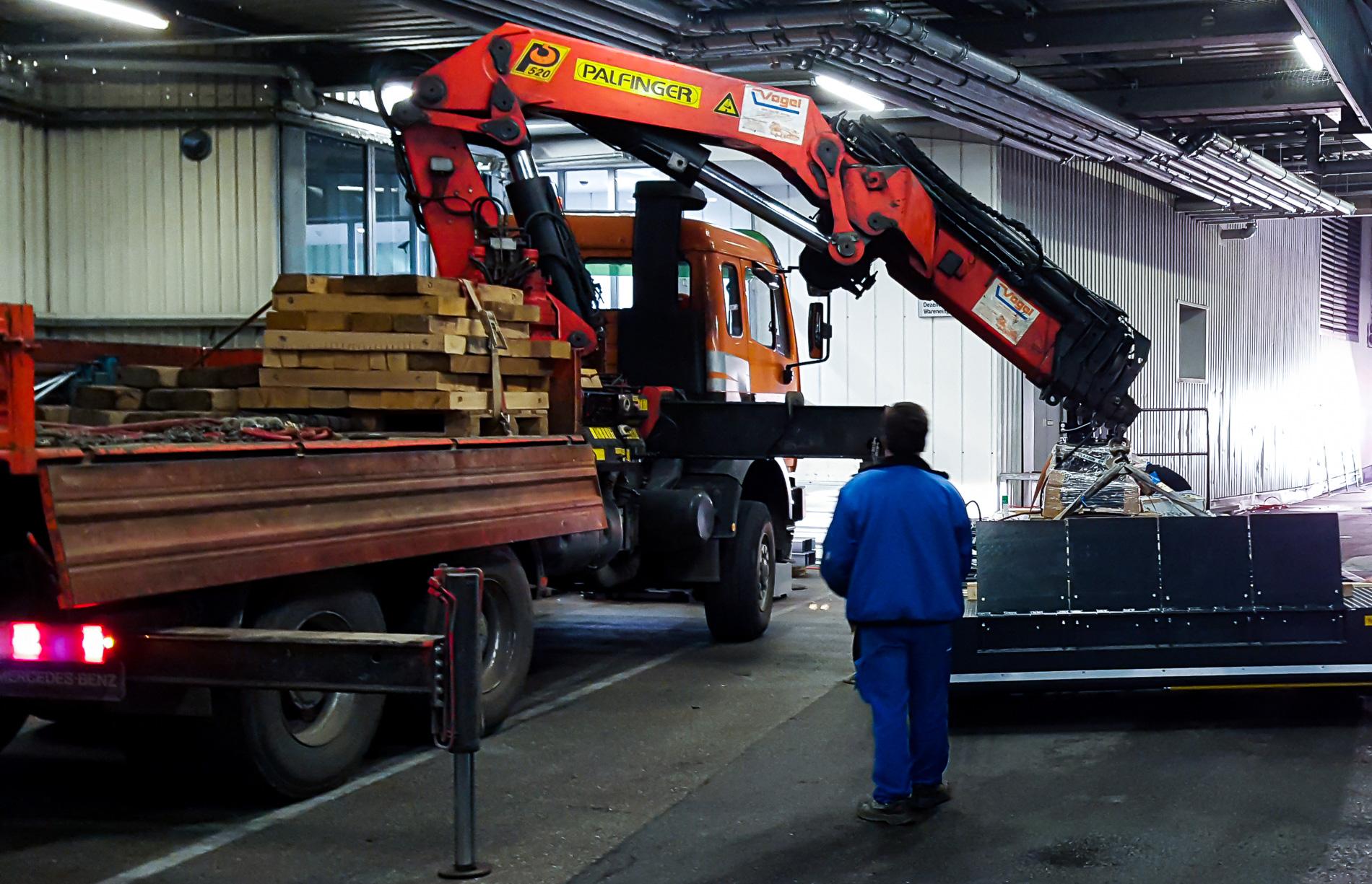 Einsatz unserer Fahrzeuge in Hallen
